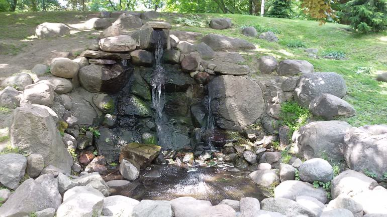 warsaw park fountain beautiful peaceful water nature stones summer
