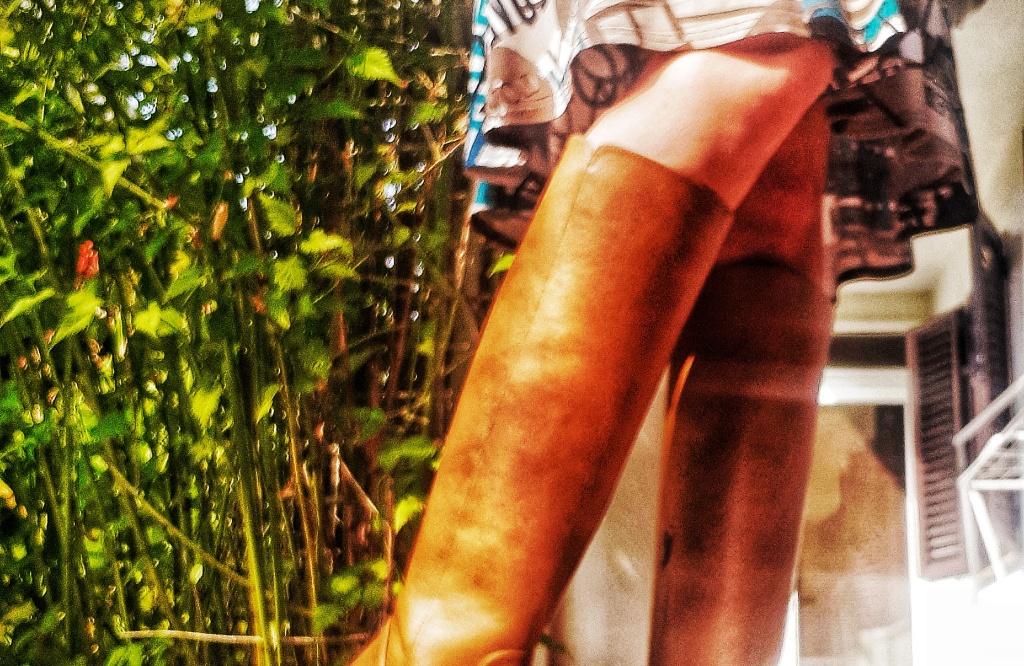vintage boots fashion style vegan